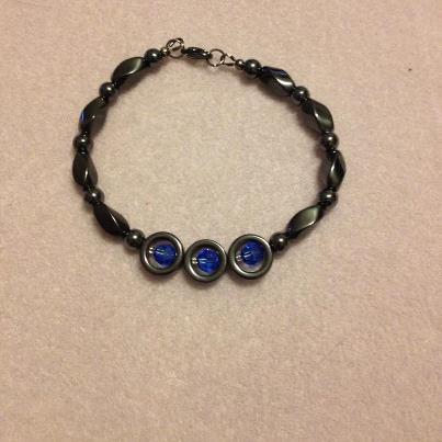 Magnetic twist with sapphire Swarovski Bracelets